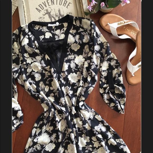 e98f77aae85 Lush Dresses   Skirts - Lush Roll Tab Sleeve Floral Shirt Dress